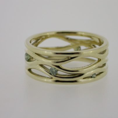 ring_geelgoud_diamant_groen_wikkel_golf
