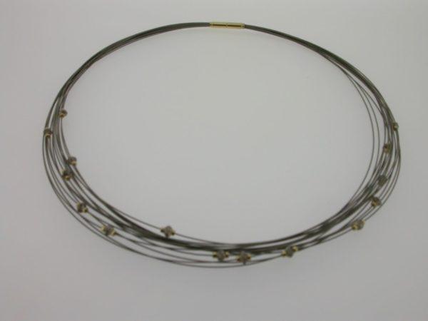 collier_staal_geelgoud_ruwe_diamant2