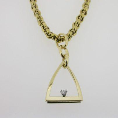hanger_geelgoud_diamant_driehoek