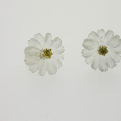 oorbel_geelgoud_chrystal_bloem_saffier2