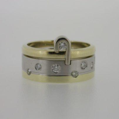 ring_geelgoud_en_witgoud_diamant_inelkaar2