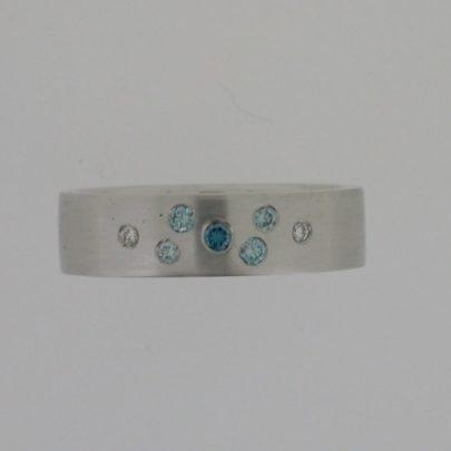 ring_witgoud_blauwe_diamant_mathematiek