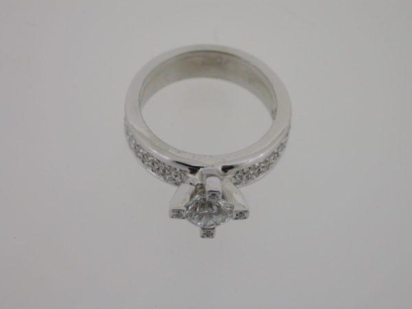 ring_witgoud_diamant_pave_klassiek