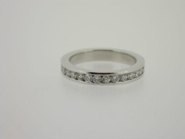ring_witgoud_diamant_railzetting