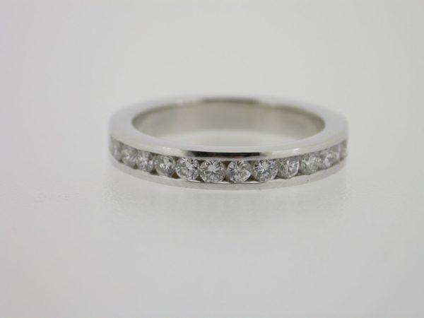 ring_witgoud_diamant_railzetting2