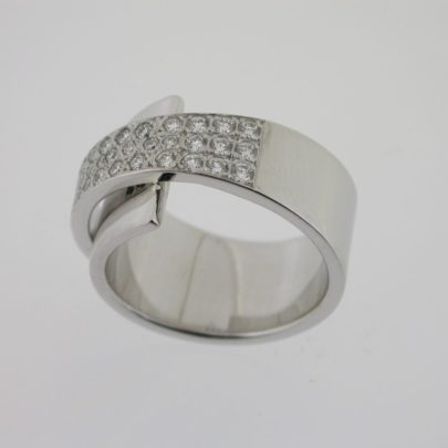 ring_witgoud_diamanten_pave_pfafs