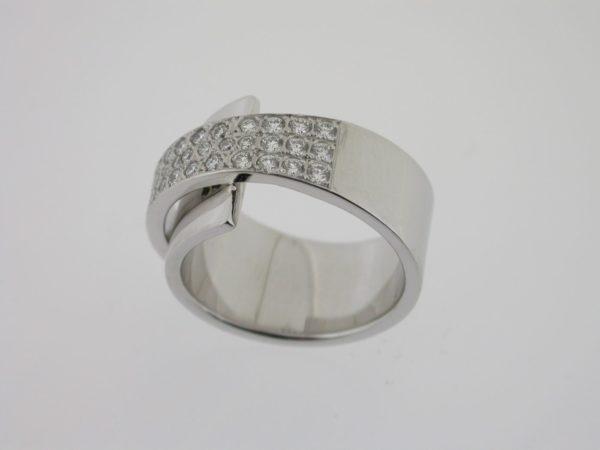 ring_witgoud_diamanten_pave_pfafs