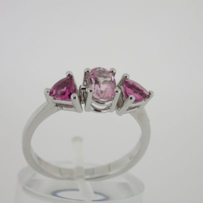 ring_witgoud_pink_rubelite_3steens_klassiek2