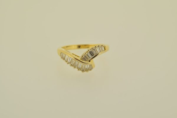 ring_geelgoud_diamant_baguettes