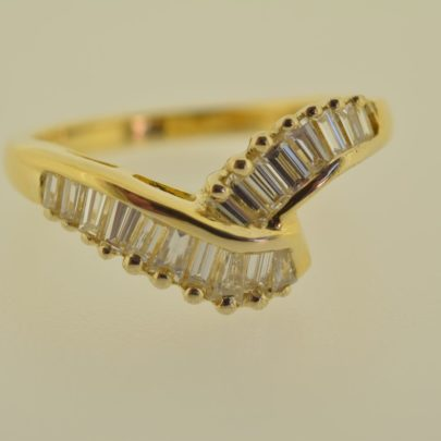 ring_geelgoud_diamant_baguettes_zetwerk