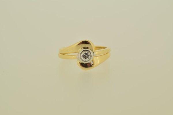 ring_geelgoud_diamant_donutzetting