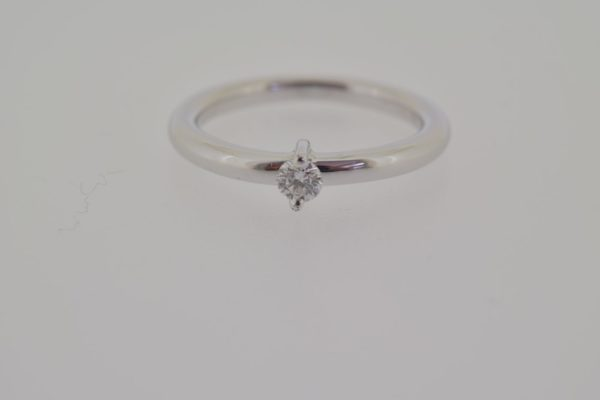 ring_witgoud_diamant_verlovingsring_strak
